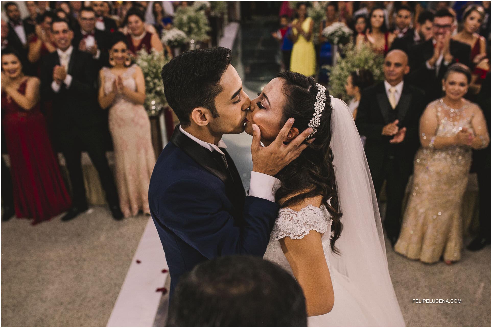 o beijo noivos
