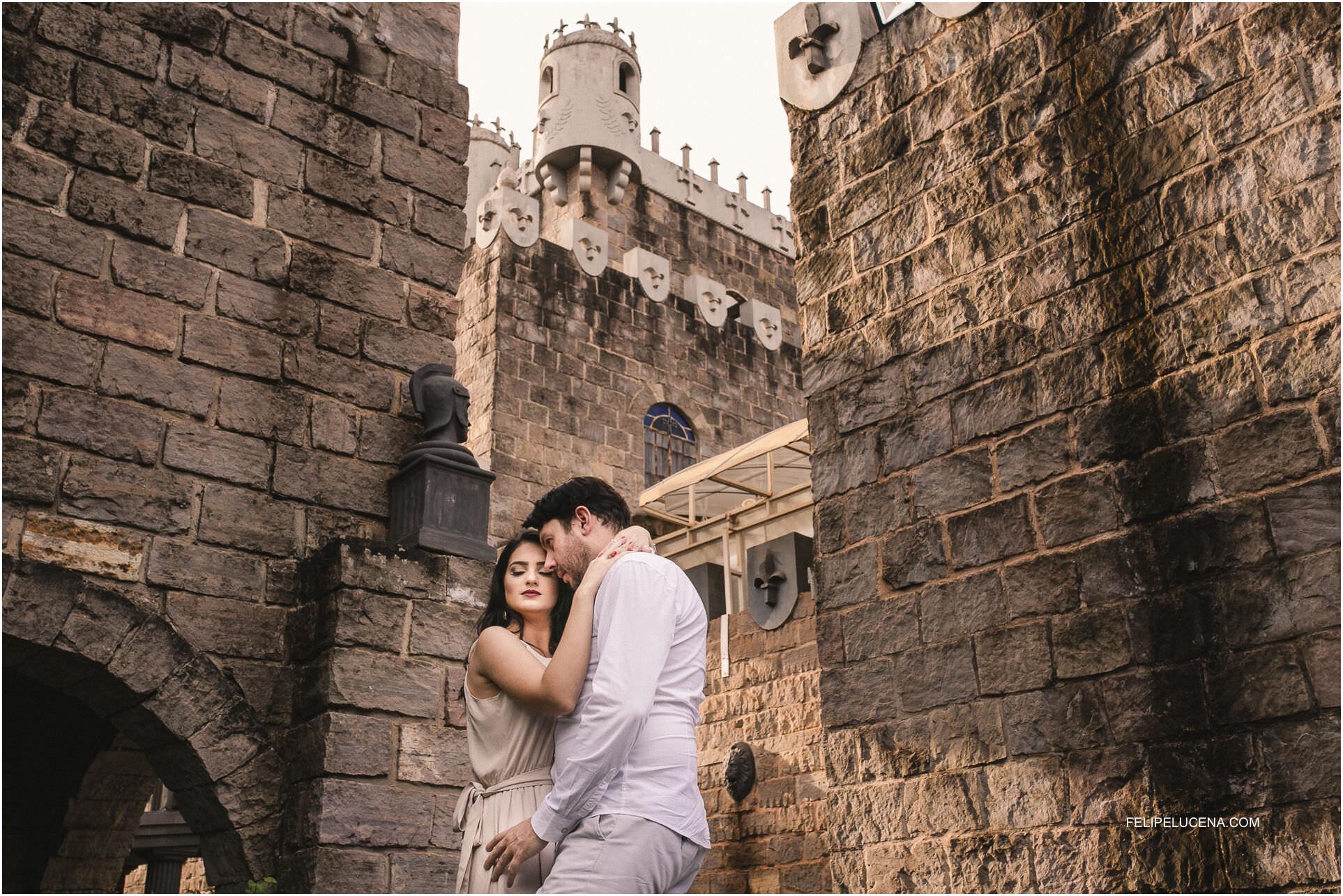 casal no castelo