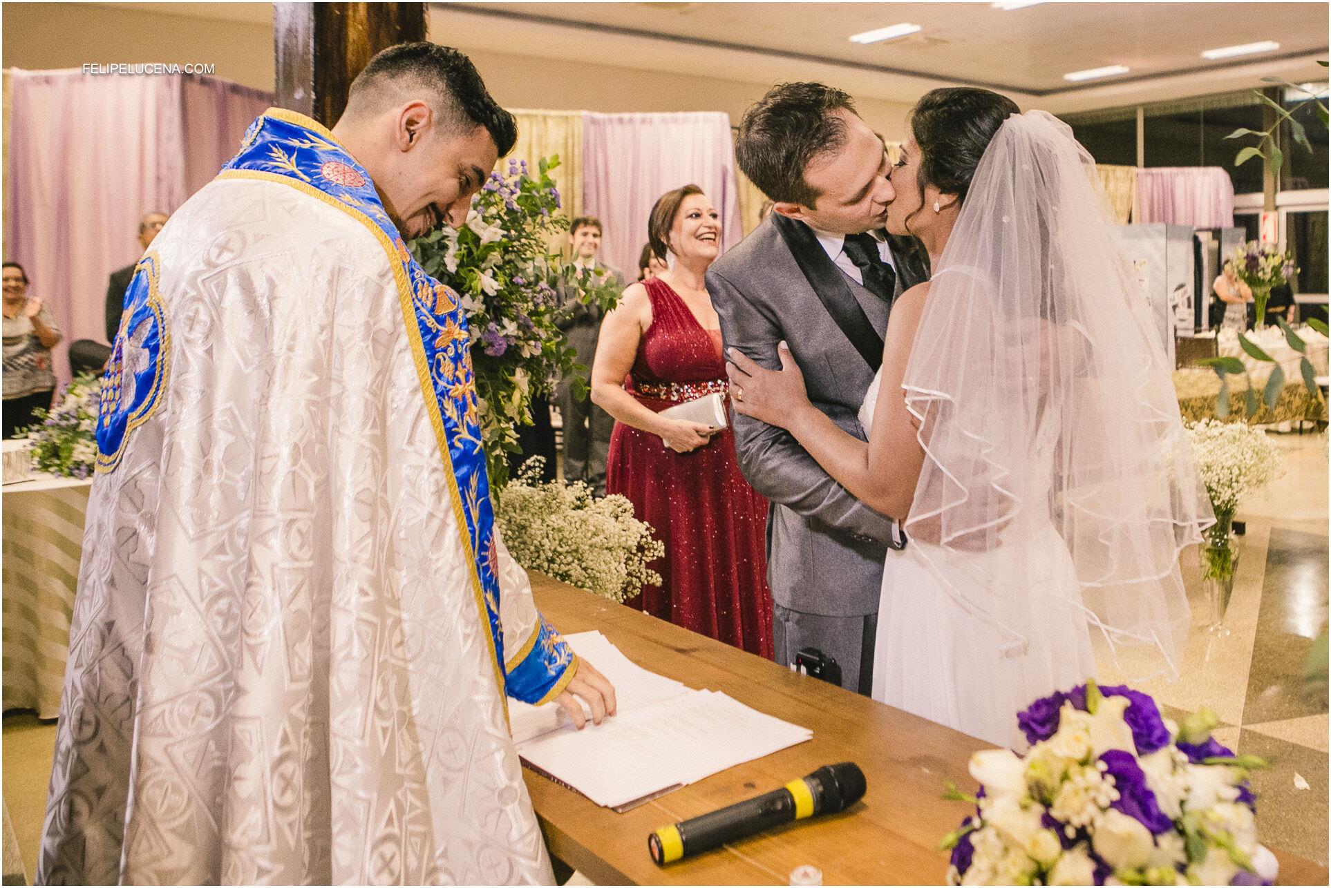 beijo do noivos