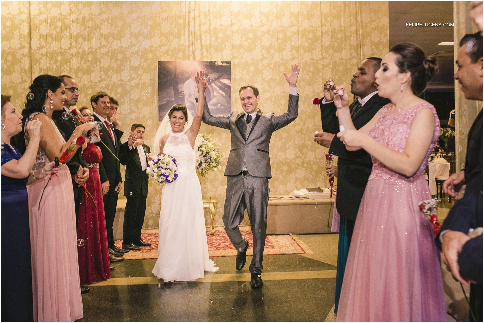 saida dos noivos
